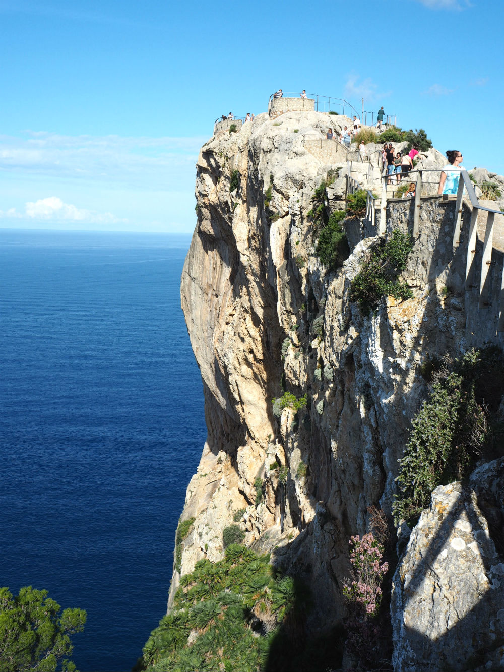 The viewpoint Mirador Es Colomer in Mallorca is well hidden in the Tramuntana mountain range